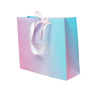 Customized High Quality Paper Packing Bag With Silk Handle For Gift