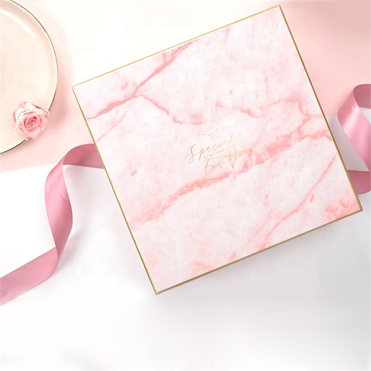 2020 New Fashion Custom Logo Magnetic Pink Packaging Gift Box For Packing