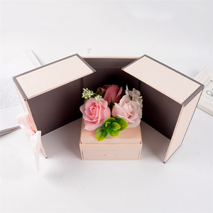 Wholesale pink customized square flower box set