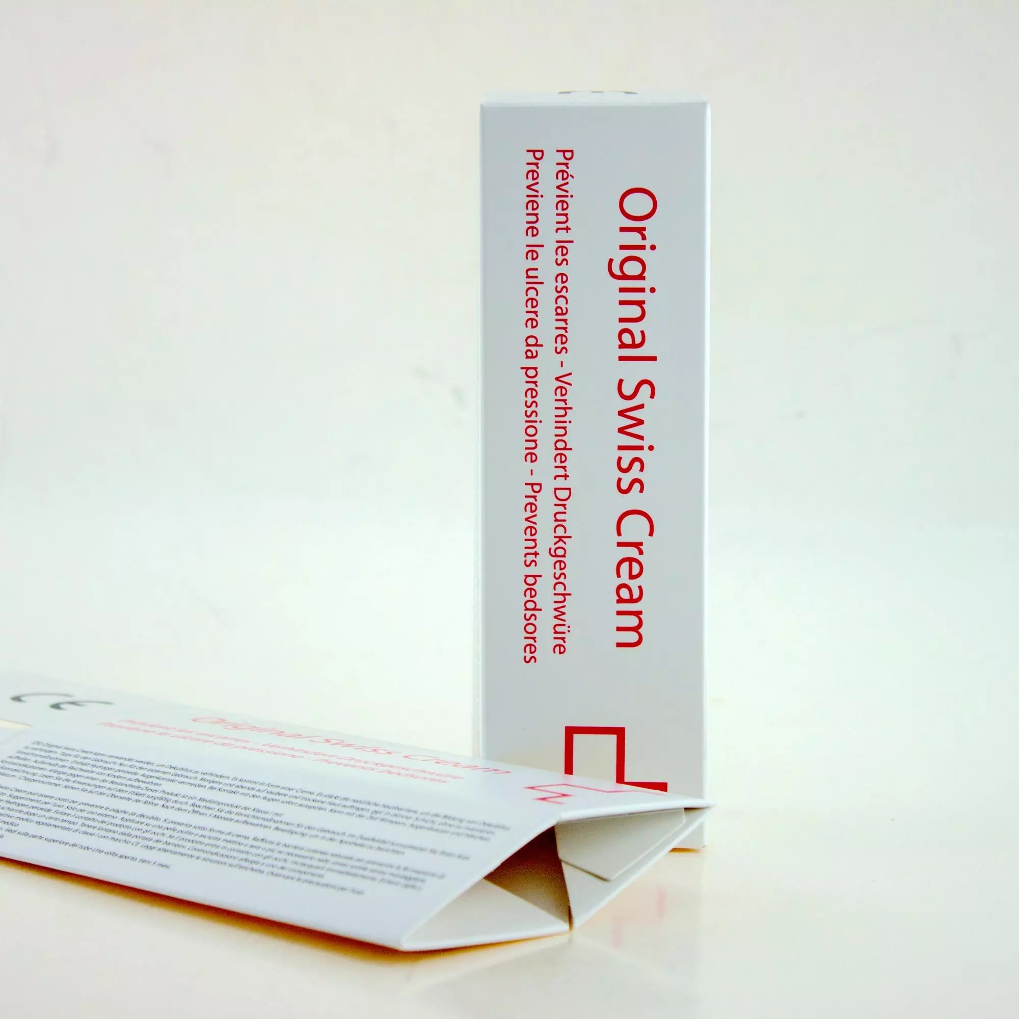 Cosmetic Offset Printing White Coated Paper Folding Box OEM service